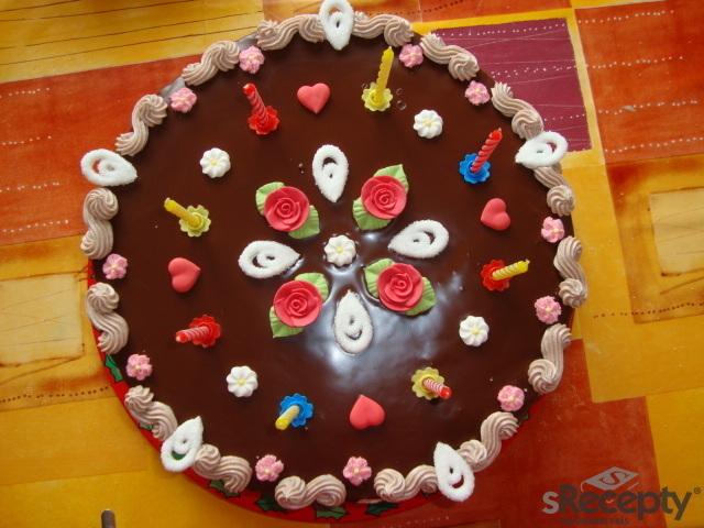 Mandlový dort s kakaovým bešamelovým krémem