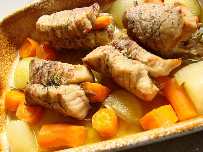 Dietní vepřové medailonky s mrkví a libečkem