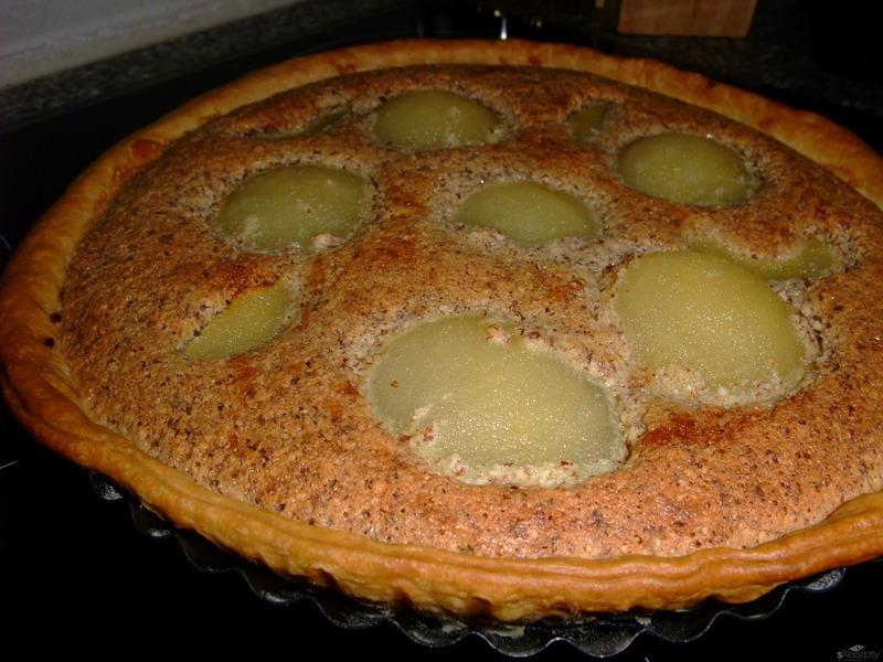 Tarte amandine aux poires (Mandlový koláč s hruškami)