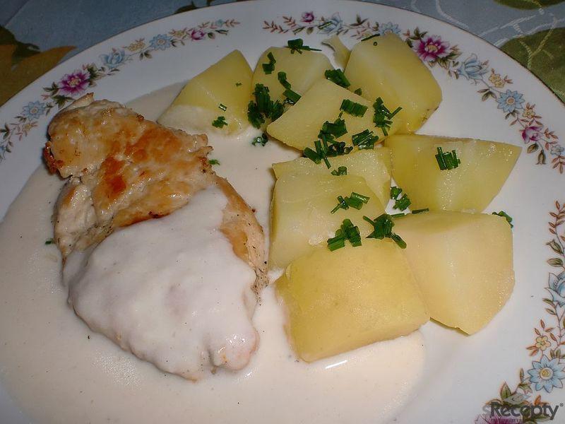 Kuřecí plátek v sýrové omáčce