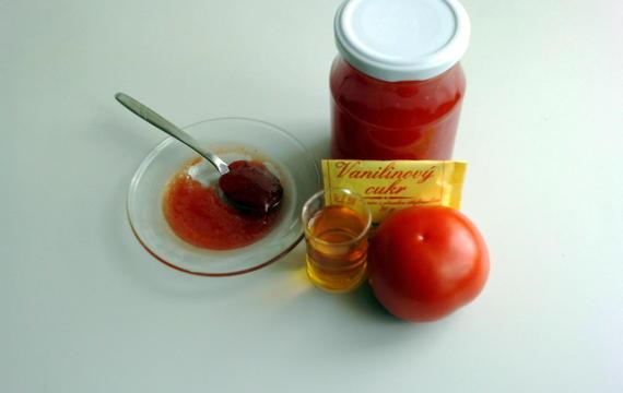 Rajčatová marmeláda s rumem