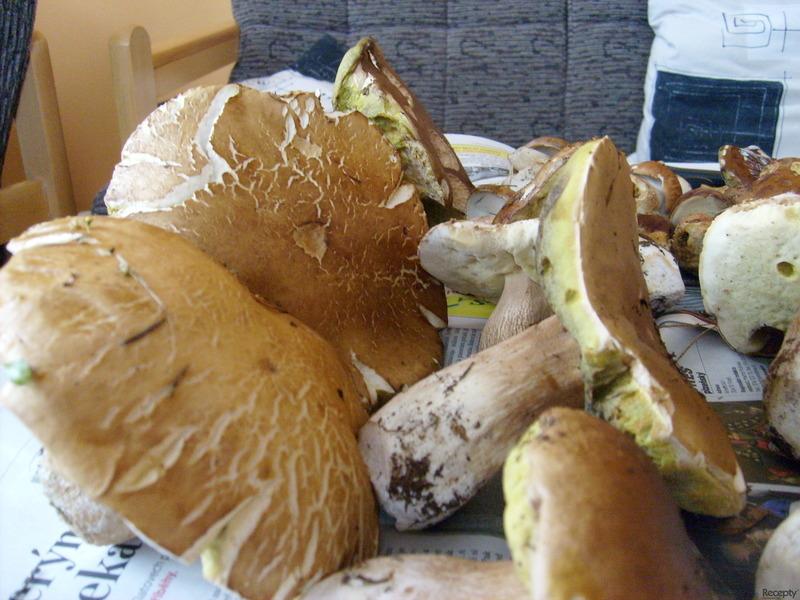 Výborné nakládané houby jako salát