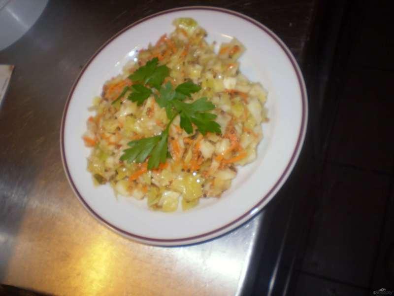 Sambaro - indický zelný salát