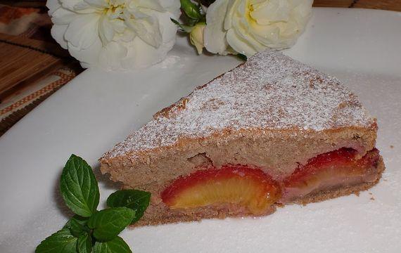 Netradiční švestkový koláč