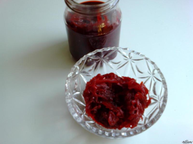 Červená řepa ve sladkokyselém nálevu