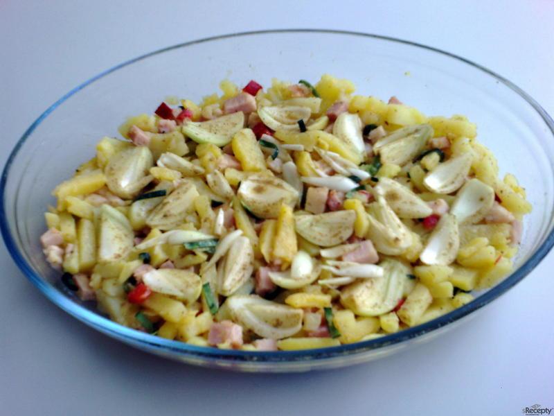 Zapékané brambory s cibulí