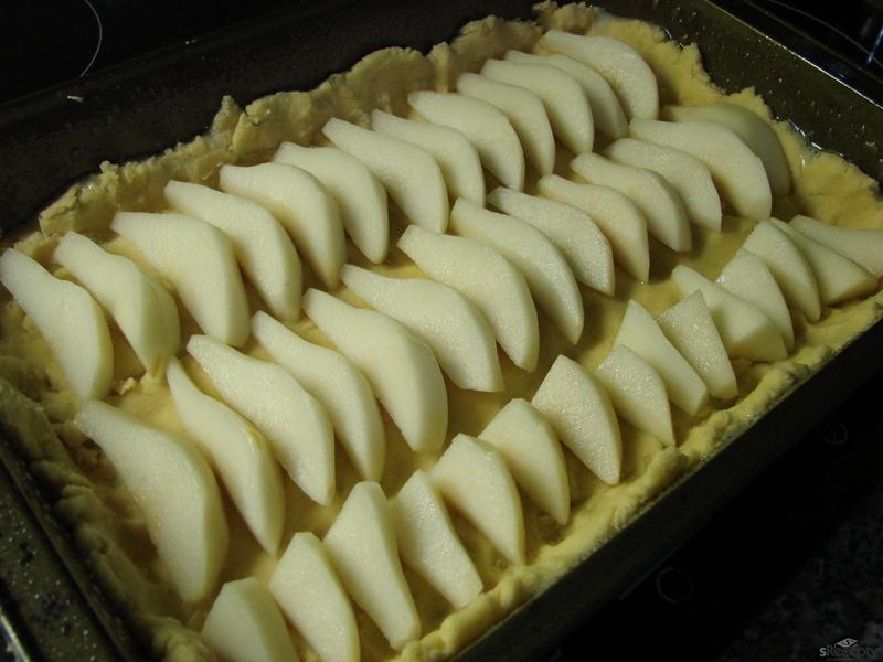 Hruškový koláč s mandlovým krémem