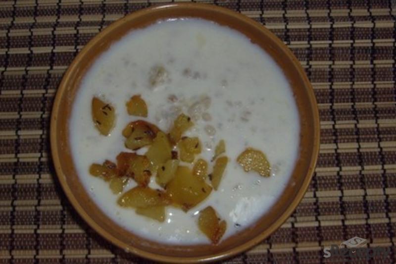 Staročeská bílá polévka z babiččina receptáře
