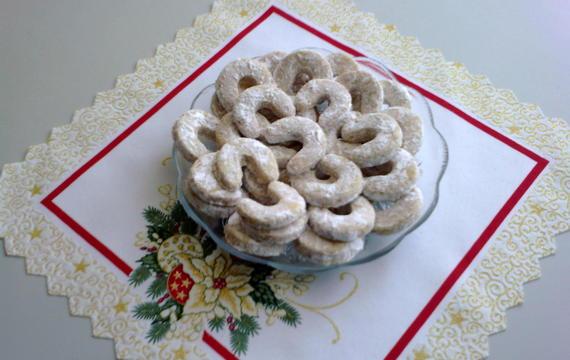 Vanilkové rohlíčky s neloupanými mandlemi