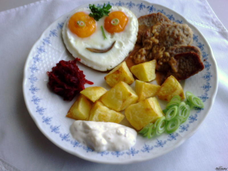 Vepřové plátečky s vejcem