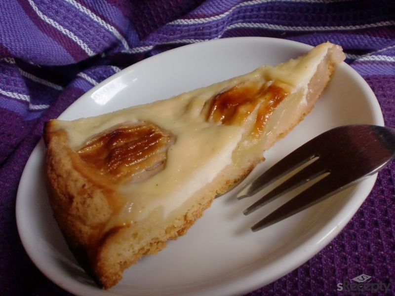 Jablečný koláč s krémem ze zakysané smetany