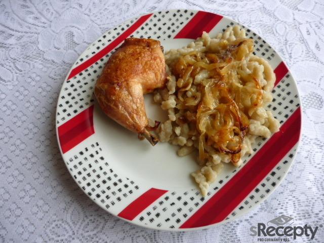 Kuře pečené na cibuli