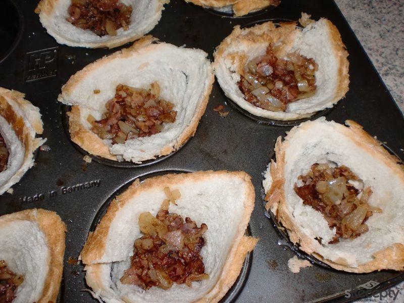 Plněné košíčky z toustového chleba