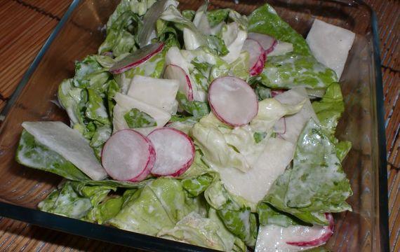 Křehký jarní salátek