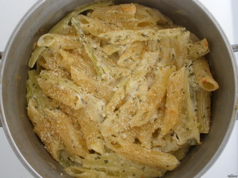 Zapečený celer s těstovinami