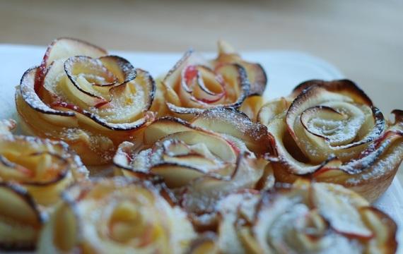 Pečené jablečné růžičky