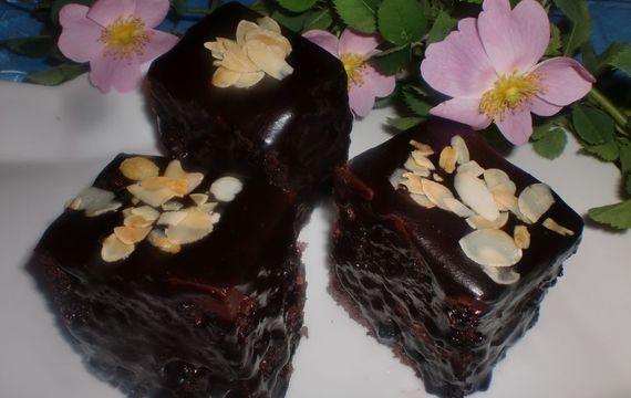 Čokoládové kostky s mandlemi