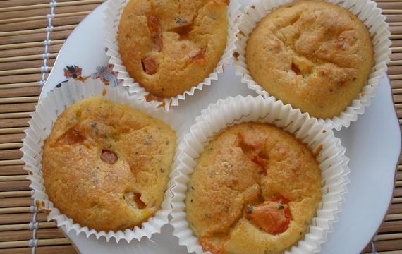 Mufiny s mozzarellou a rajčaty