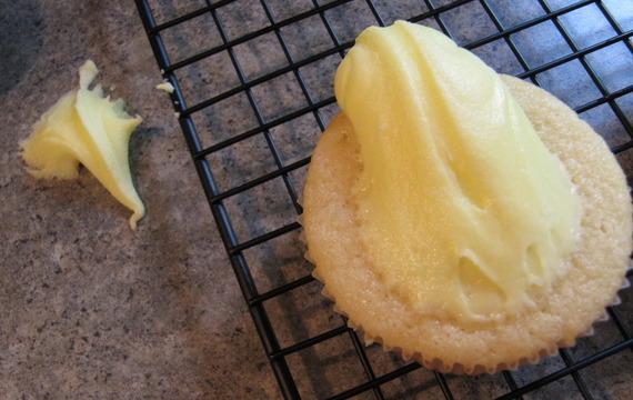 Bílá citrónová poleva