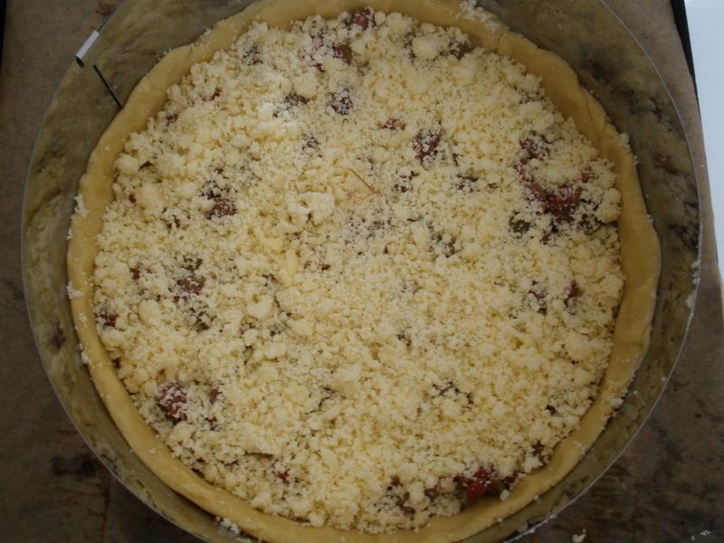Reveňový koláč s drobenkou