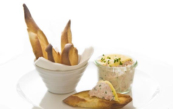 Rillettes z lososového pstruha s crème fraiche