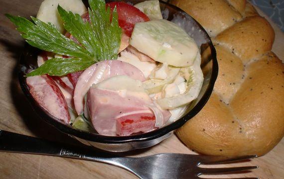 Letní chatařský salát