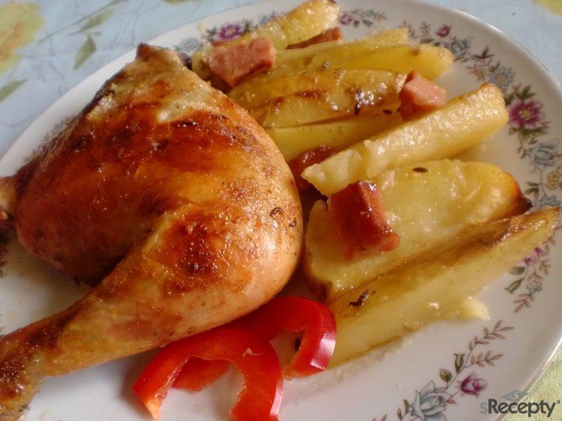Chatařské pivní kuře na špekáčku a bramborách