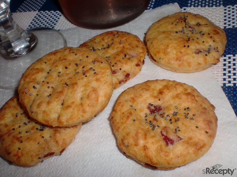 Slaninovo - sýrové sušenky k vínu