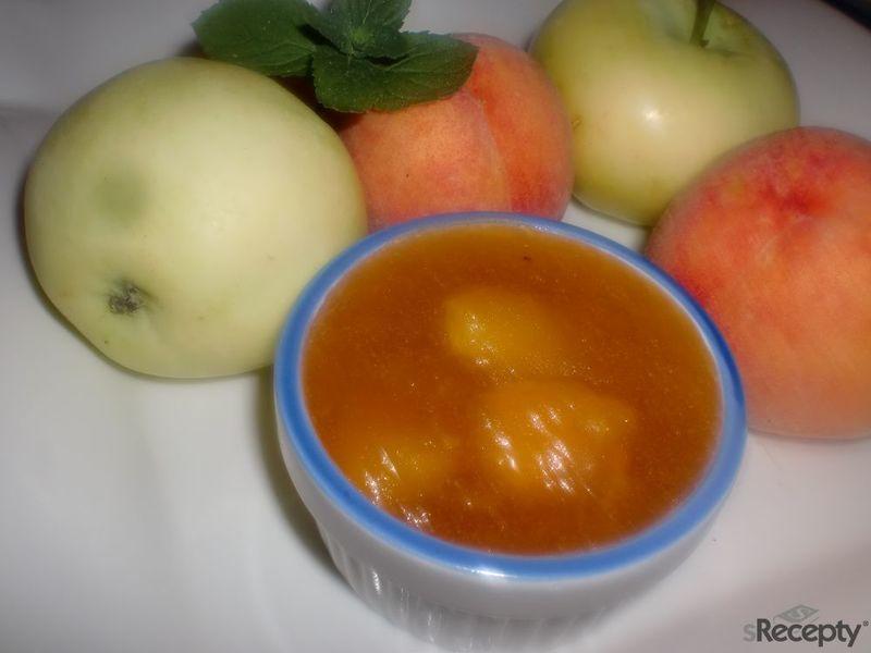 Džem z broskví a letních jablíček
