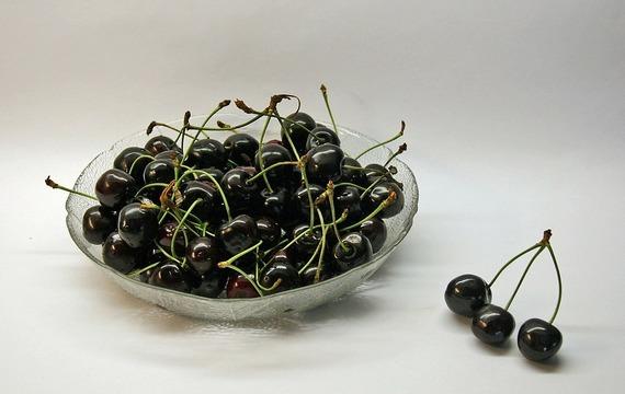 Džem s černých třešní s amaretem