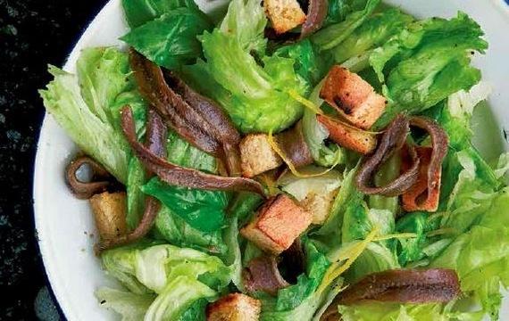 Ančovičkový salát s kapary