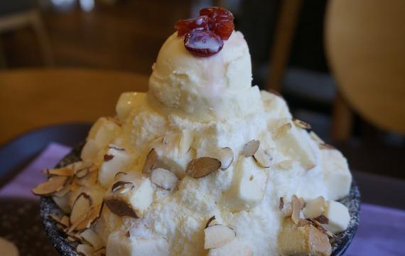 Tvarohová zmrzlina s ovocem