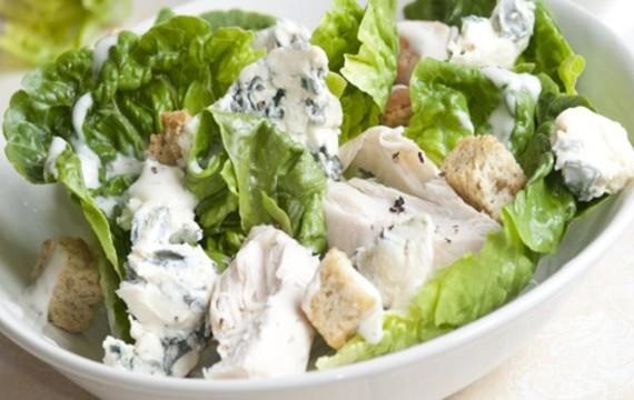 Salát s modrým sýrem