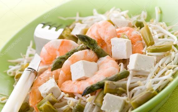 Thajské tofu s chřestem