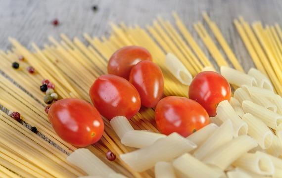 Rajčatovo-cuketové těstoviny