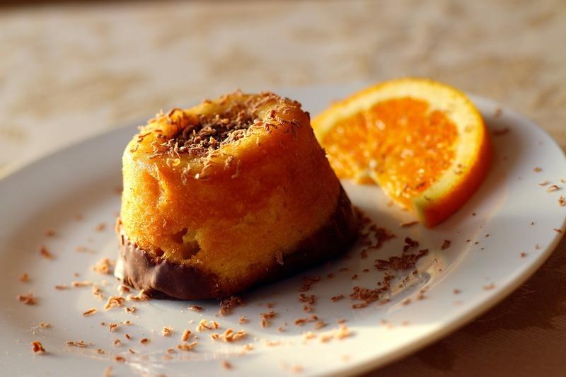 Pomerančový koláč s granátovým jablkem