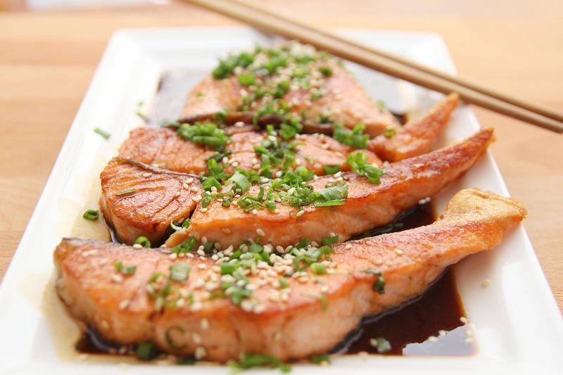 Zdravý lososový salát
