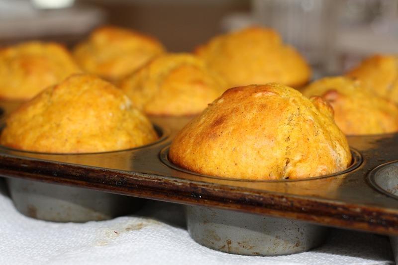 Muffiny z listového těsta se špenátem a slaninou