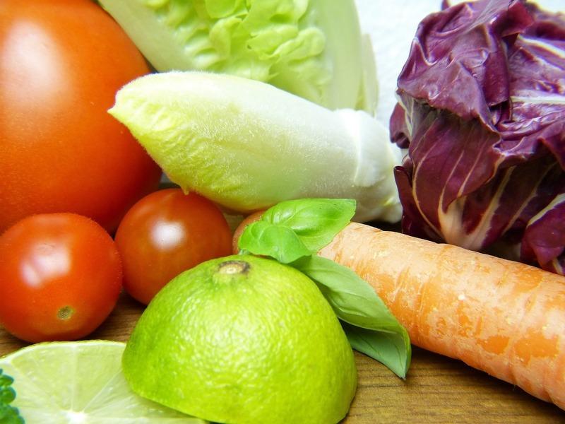 Čekankový salát s pomeranči a červenou čočkou