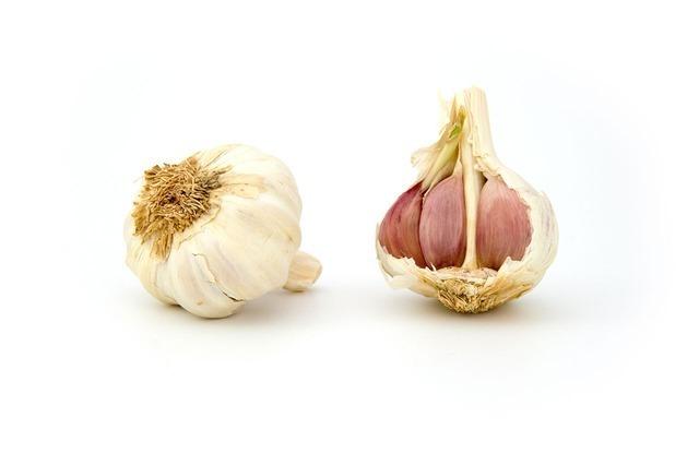 Pečený česnek na tymiánu