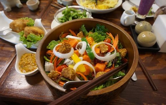 Asijský kuřecí salát