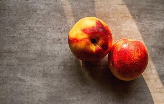 Pečené nektarinky s mandlemi