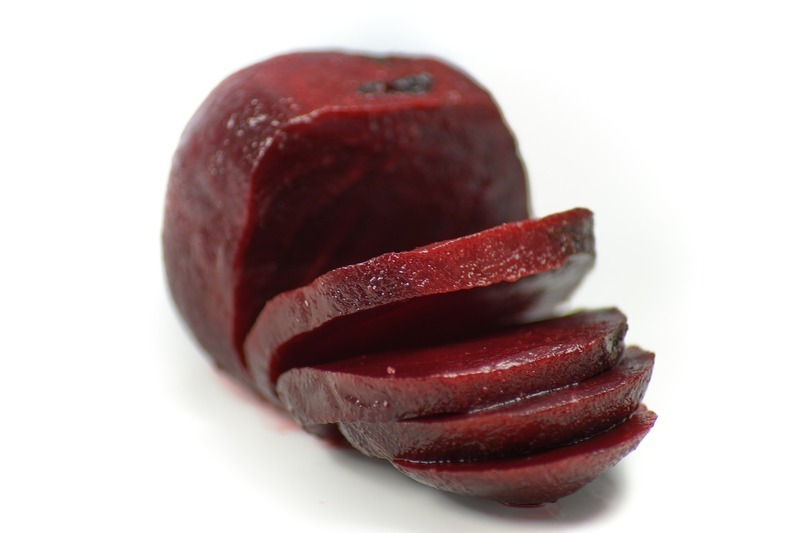 Jednohubky z červené řepy s uzeným lososem