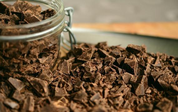 Čokoládové kostky s broskvemi