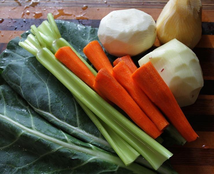 Salát z kořenové zeleniny