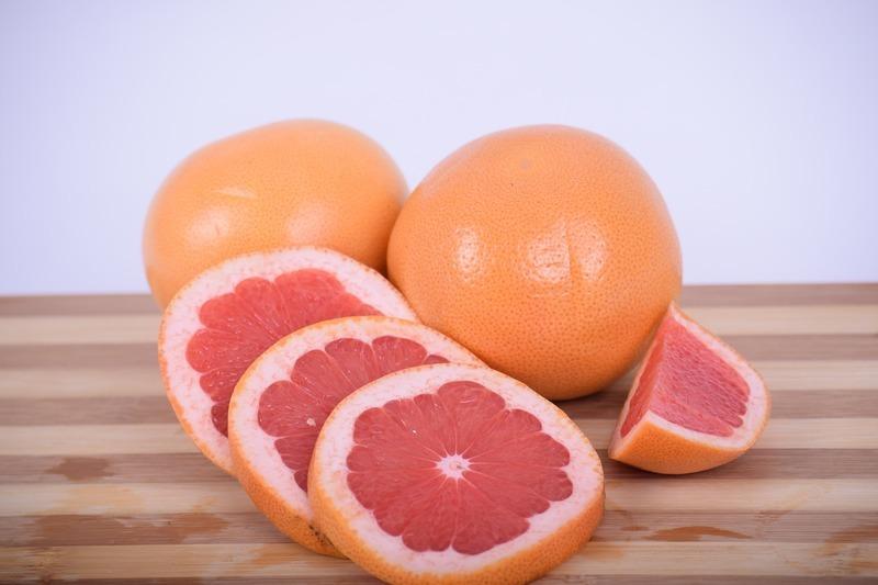 Grapefruitový koktejl s vejcem