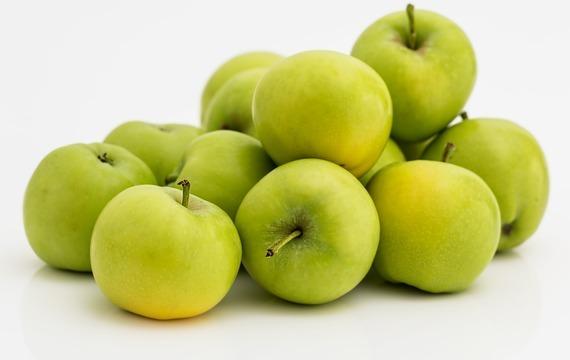 Jablkový salát se sýrem