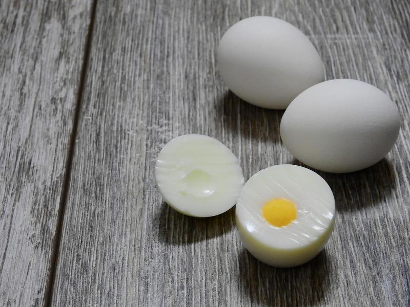 Vejce nahniličko s křenem