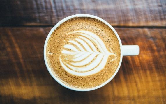 Aromatická koňaková káva