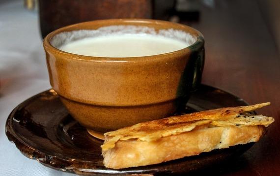 Bramborová krémová polévka s houbami